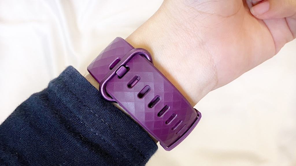 Review Fitbit Charge 4 Rosewood